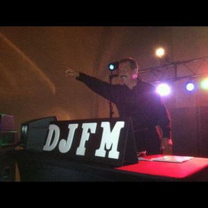 Riddleton Party DJ | DJFM Marino Music