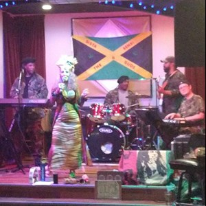 Madison, WI Reggae Band | Sista Sensi and The Buds