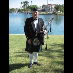 Gilbert Bagpiper | David Marshall, Bagpiper for all occasions