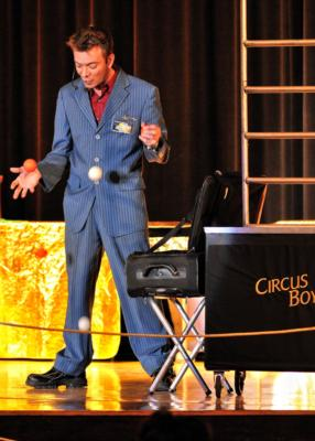 Bobby Hunt 'Circus Boy' | Oak Lawn, IL | Comedy Magician | Photo #9