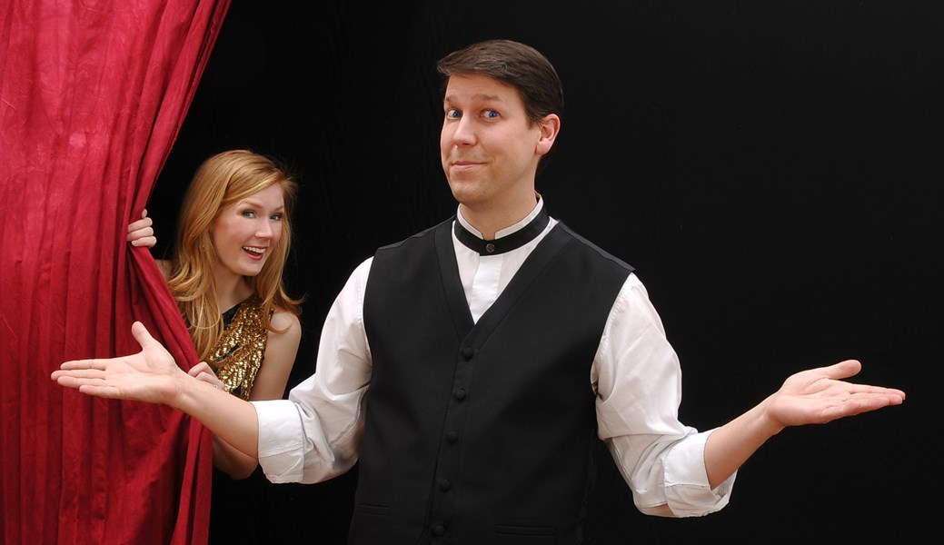 Corporate Comedian Magician... Mark Robinson - Clean Comedian - Milwaukee, WI