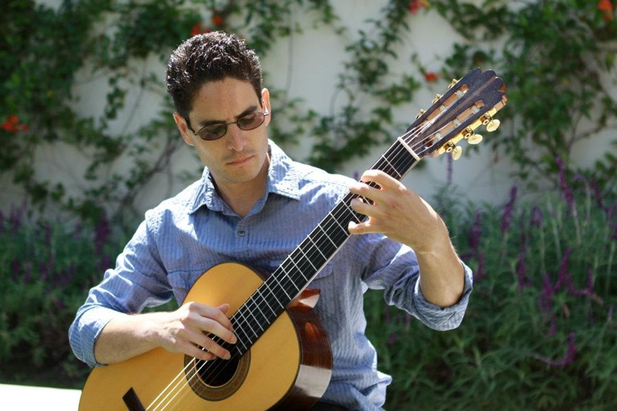 Nicolas - Classical Guitarist - Bellflower, CA