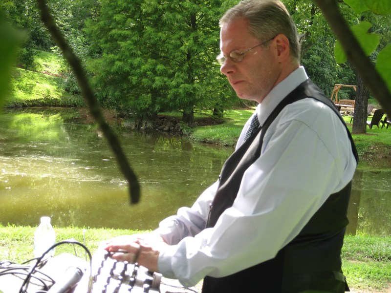 Smokey Mountain Sounds - Mobile DJ - Sevierville, TN