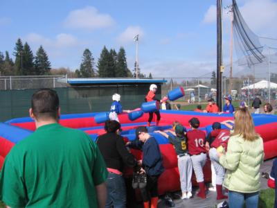 Bounce-N-Battle   Inflatable Party Rentals | Vancouver, WA | Party Inflatables | Photo #2