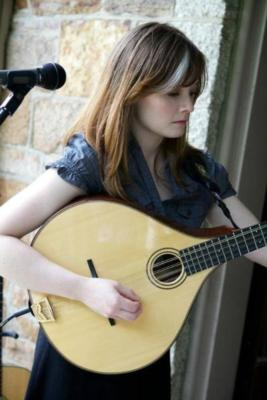 Lindsay Straw | Boston, MA | Folk Acoustic Guitar | Photo #11