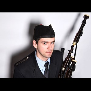 Fords Bagpiper | Ian Underwood - Piper For All Occasions