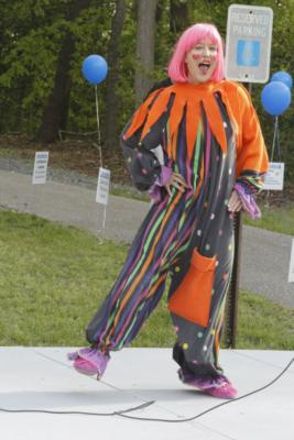 BEE BEE Clown | Silver Spring, MD | Clown | Photo #17