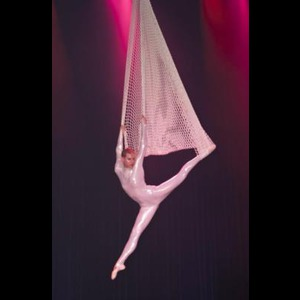 Fayetteville Acrobat | Soaring Hearts Entertainment Inc.