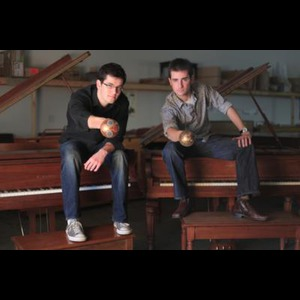 Coralville Dueling Pianist | Felix and Fingers