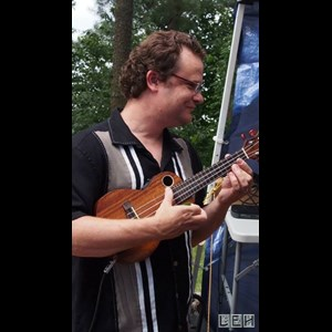 Manitoba One Man Band | JOHN BALDWIN: Singer, Guitarist, 1-Man Band & DJ