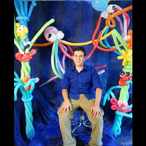 Westfield Center Balloon Twister | Imagine that parties