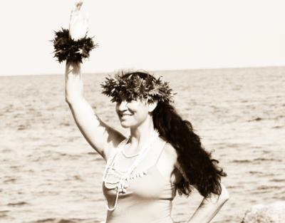 TeKana Hau Nui Dancers | Fredonia, KS | Polynesian Dancer | Photo #17
