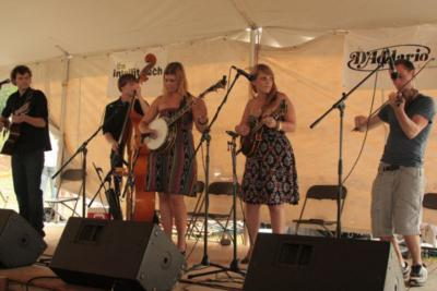 Chasing Blue Band | Boston, MA | Bluegrass Band | Photo #4