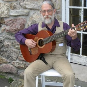 Hanlontown Acoustic Guitarist | Geoffrey Guy Weeks