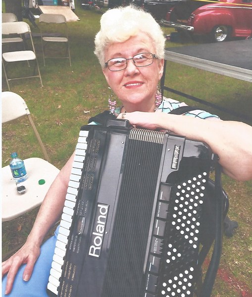 Peg's Music Machine - Accordion Player - Danville, IL