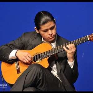 Woodlawn Classical Guitarist | Cristian Perez