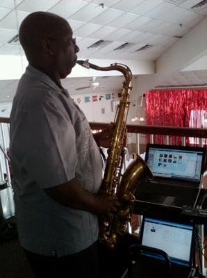 One Man Band (Jacob Smith Jr.) | Egg Harbor Township, NJ | Jazz Saxophone | Photo #10