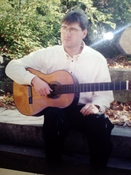 Jeff Hiotakis - Classical Acoustic Guitarist - Bridgeport, CT