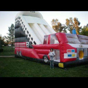 Hollywood Bounce House | Zavia Vendors