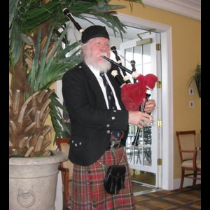 Huntington Bagpiper | Bruce C. Wright