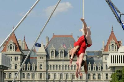 Airly Acrobatics | Boston, MA | Trapeze Artist | Photo #16
