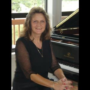 National City Pianist | Rada Neal