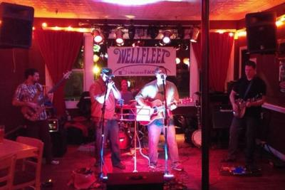 Wellfleet | Rochester, NH | Acoustic Band | Photo #19
