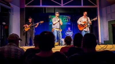 Wellfleet | Rochester, NH | Acoustic Band | Photo #18