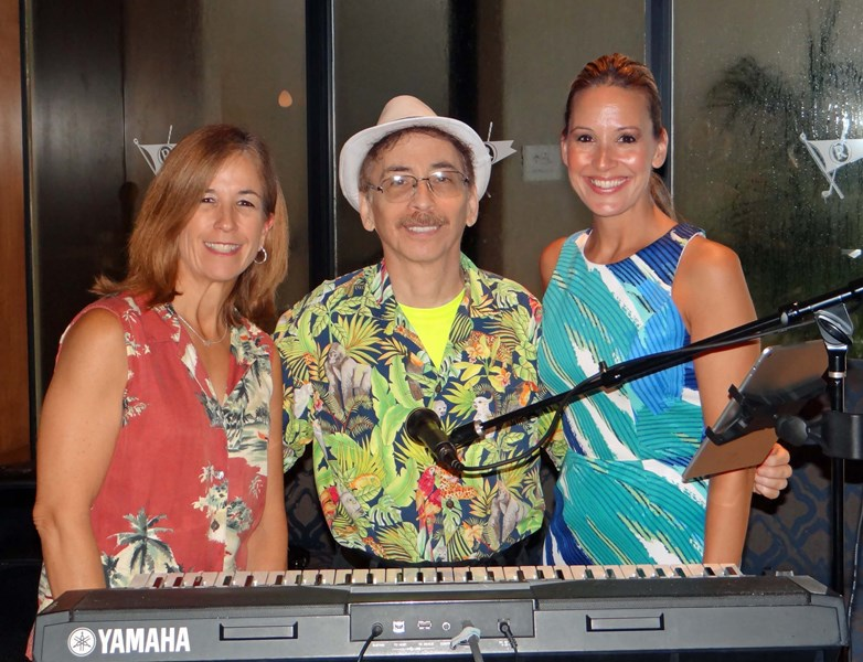 Tropical Horizons Trio
