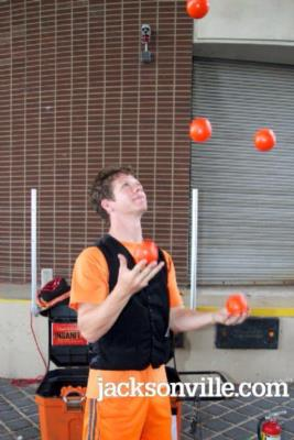 Noah Royak  | Tampa, FL | Juggler | Photo #18