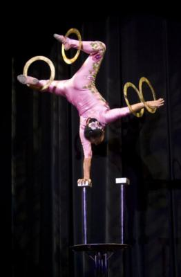 Ohio-Circus Acts And Cirque Performers | Columbus, OH | Acrobat | Photo #5