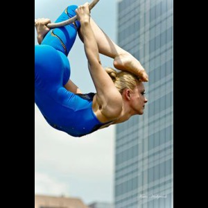 Irwin Trapeze Artist | Chicago - Circus Acts, Shows And Cirque Performers