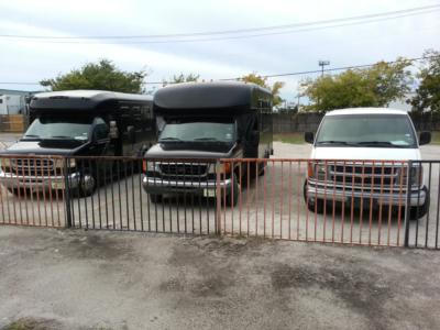 Vip C&S Limo | Grand Prairie, TX | Party Bus | Photo #4