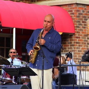 Buffalo 90's Hits One Man Band | Toronto Saxophonist Igor Babich