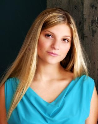 Alyssa Golden / Vocaliat | Mountain Top, PA | Singer | Photo #9