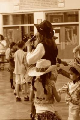 Pat Cannon's Foot & Fiddle Dance Co. | Sloatsburg, NY | Square Dance Caller | Photo #10