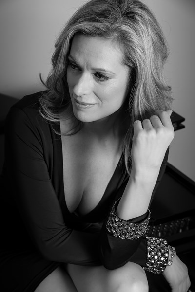 Jennifer Scott, Pianist & Singer - Singing Pianist - Reston, VA