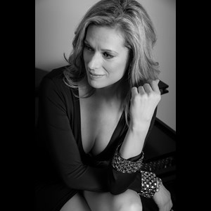 Lansing Latin Pianist | Jennifer Scott, Pianist & Singer