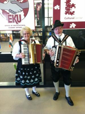 Ken & Mary Turbo Accordions Express | Marysville, OH | Variety Band | Photo #19
