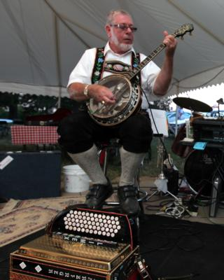 Ken & Mary Turbo Accordions Express | Marysville, OH | Variety Band | Photo #21