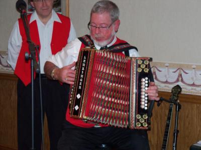 Ken & Mary Turbo Accordions Express | Marysville, OH | Variety Band | Photo #5