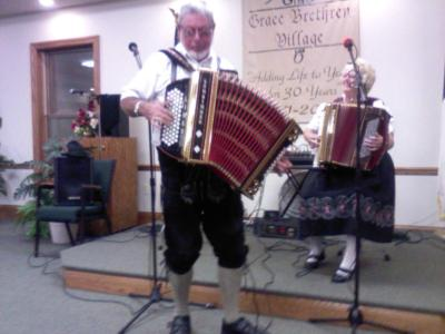 Ken & Mary Turbo Accordions Express | Marysville, OH | Variety Band | Photo #10