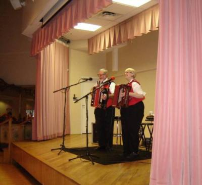 Ken & Mary Turbo Accordions Express | Marysville, OH | Variety Band | Photo #22