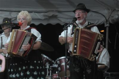 Ken & Mary Turbo Accordions Express | Marysville, OH | Variety Band | Photo #8