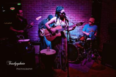 Angelique White Band | Gilbert, AZ | Variety Band | Photo #3