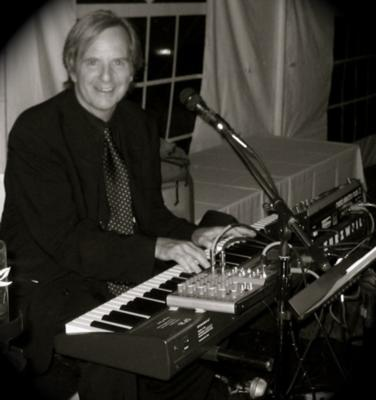 John Bauers, piano/vocals | Jersey City, NJ | Piano | Photo #4