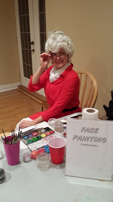 Mrs. Clause can face paint!