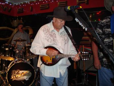 82 Deluxe | Hanford, CA | Country Band | Photo #7