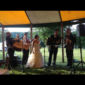 Pelican Lake Wedding Band | Banda Los Golondrinos