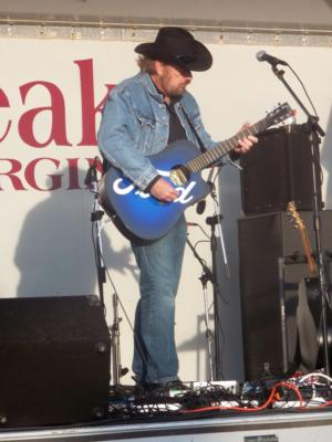 Toby Keith impersonator Ed Kelleher | Virginia Beach, VA | Toby Keith Tribute Act | Photo #1
